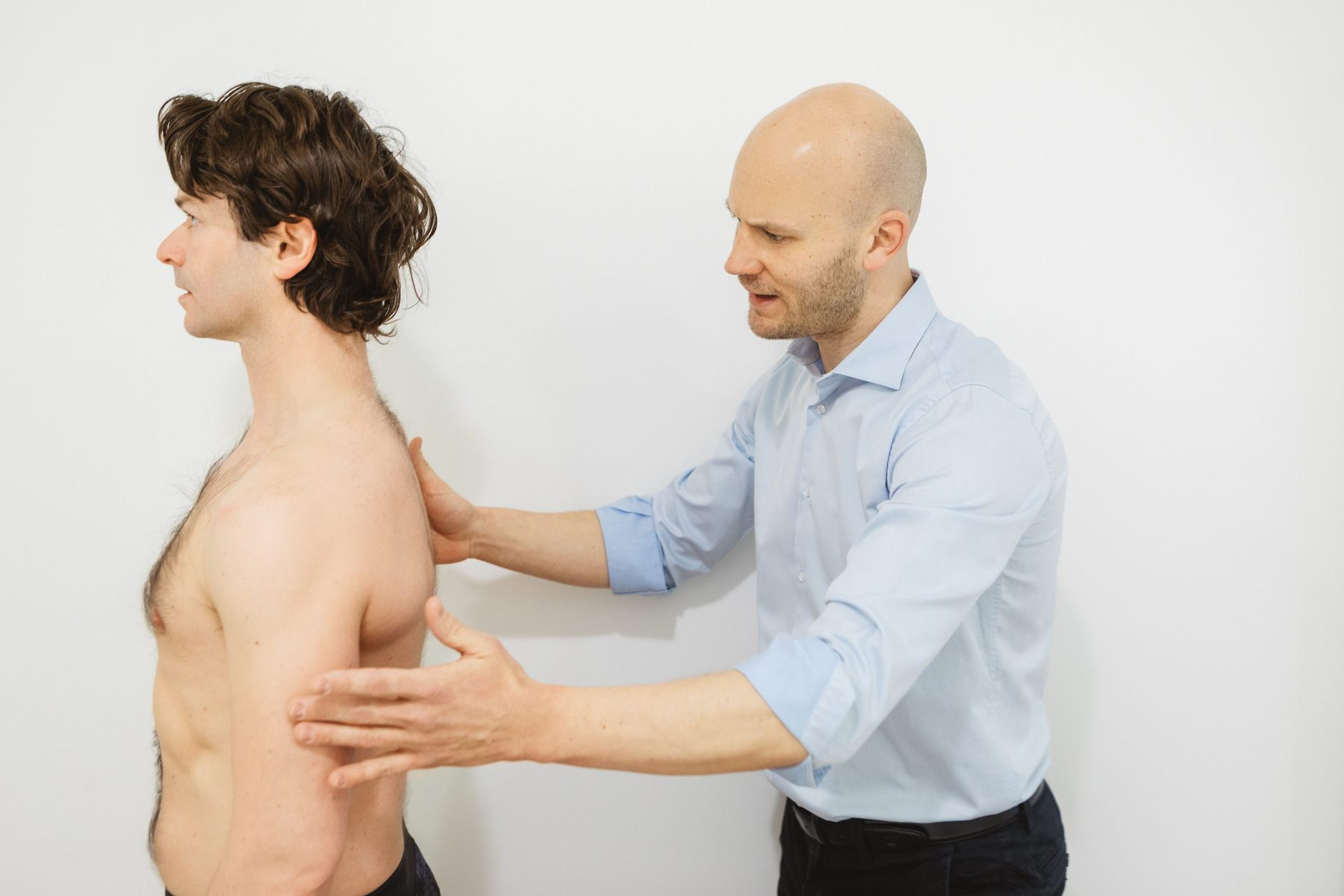 Osteopath for Sciatic Nerve Pain Wellthy Clinic